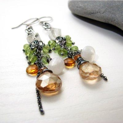 Orecchini in argento, chiave di violino, orecchini lunghi con pietre