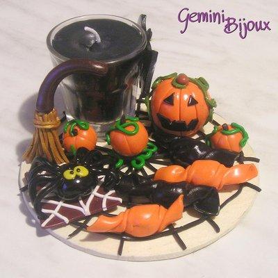 Candela Halloween in bicchierino con decorazioni in fimo