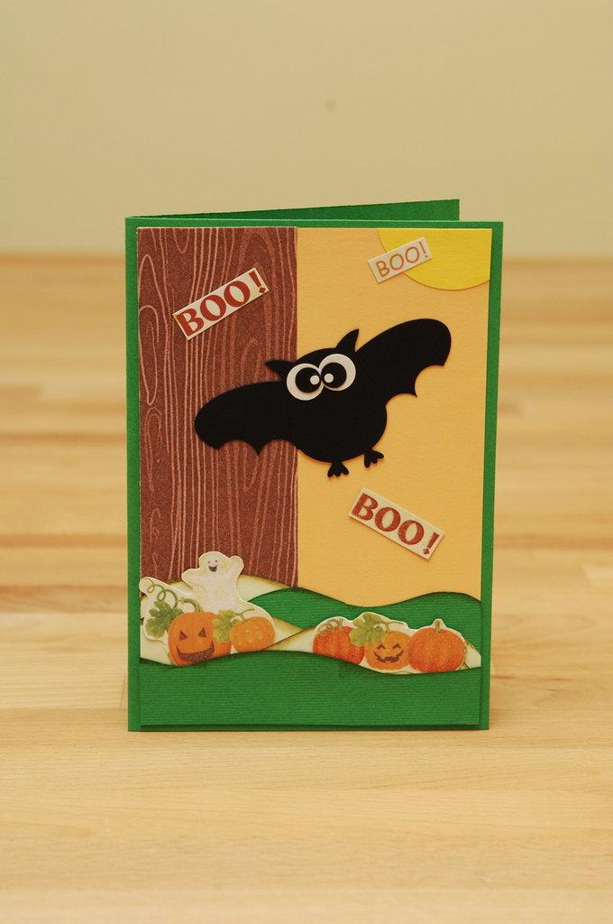 """Biglietto per Halloween """"BOO"""" realizzato a mano"""