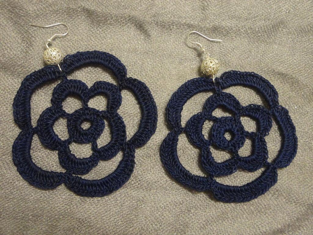 orecchini rosa blu con perla