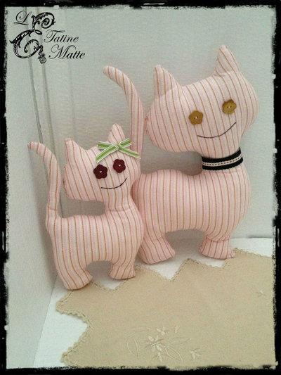Gatti di stoffa