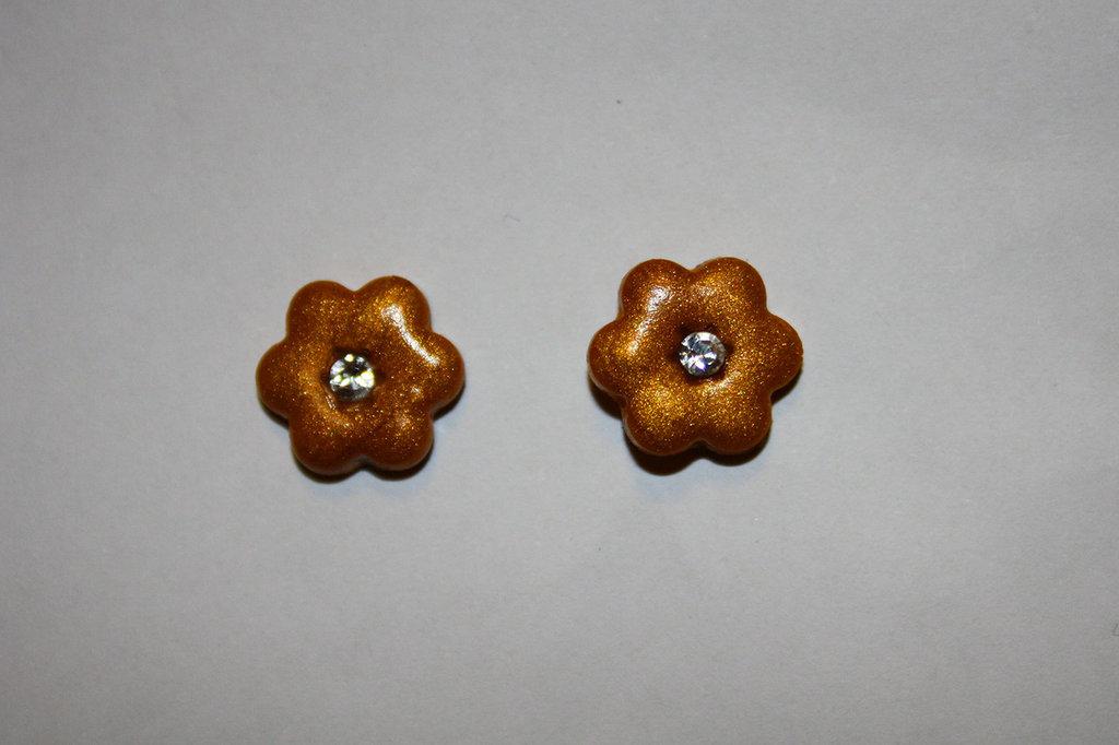 Orecchino fiore gold