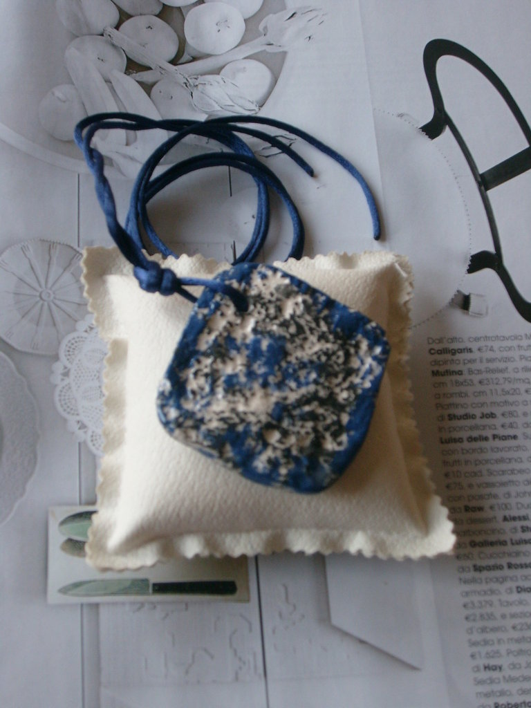 Ciondolo ceramica