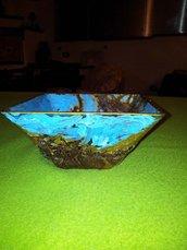 ciotola  decorata con crosta di  palmizio