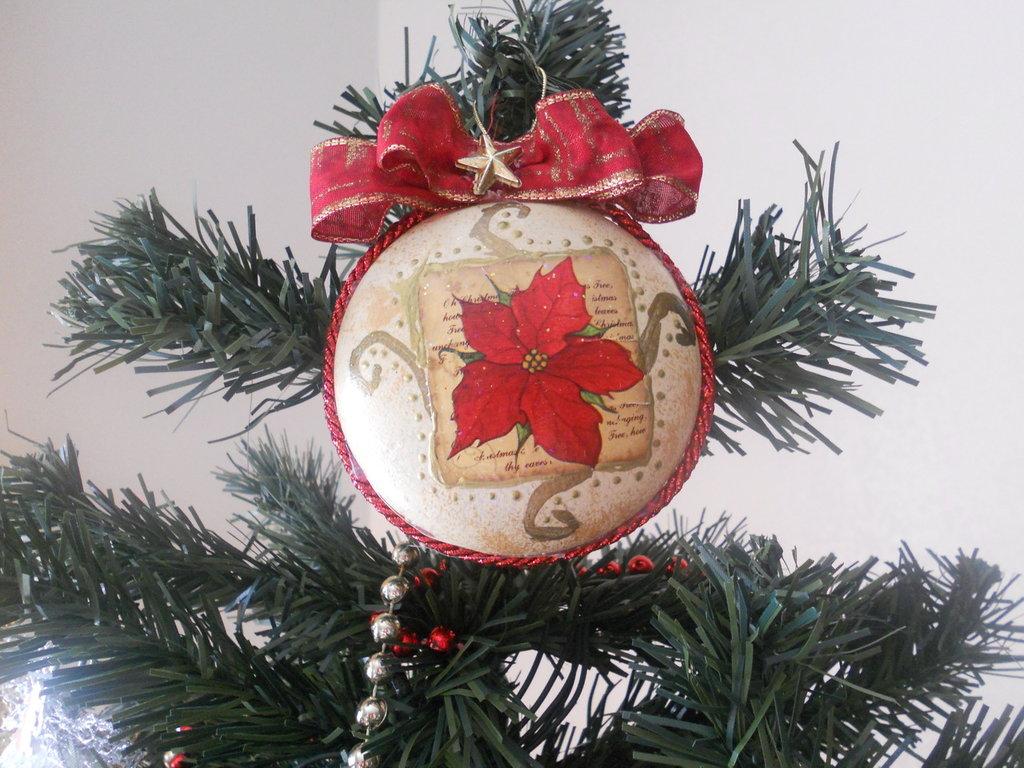 Medaglione natalizio decorato a mano