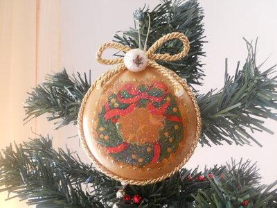 Medaglione natalizio dorato decorato a mano