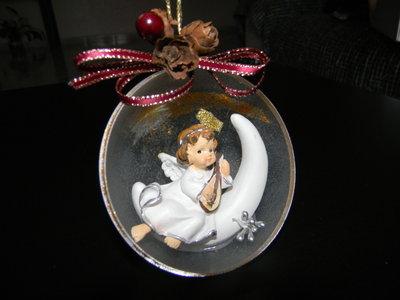 Decorazione natalizia con angelo