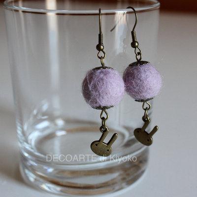 Orecchini feltro lilla e charms conigli