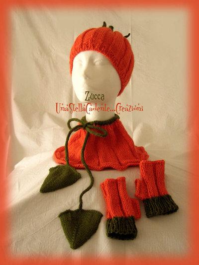 """Cappello, Scaldacollo e Guantini - """"Zucca"""" - Completo di accessori di lana, fatto a mano, ai ferri."""