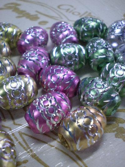 23 Perline Foro Grande in Alluminio inciso Mix di colori