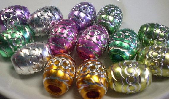 14 Perline Foro Grande in Alluminio inciso Mix di colori