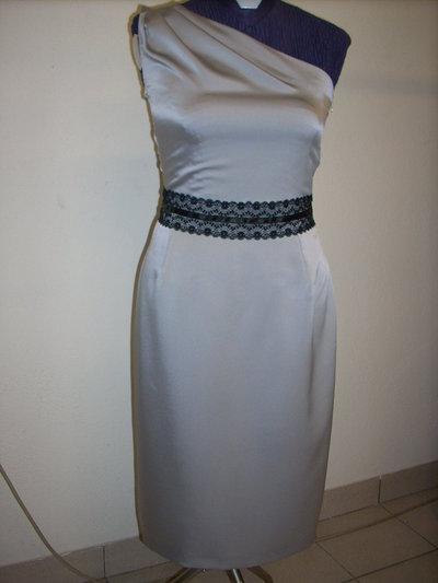 Vestito elegante in raso