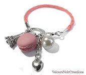 Romantico bracciale con macarons in fimo torre eiffel e perla cordino in similpelle rosa