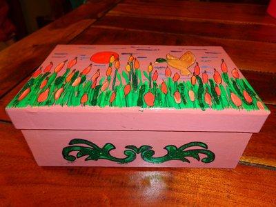 scatola in cartone rosa