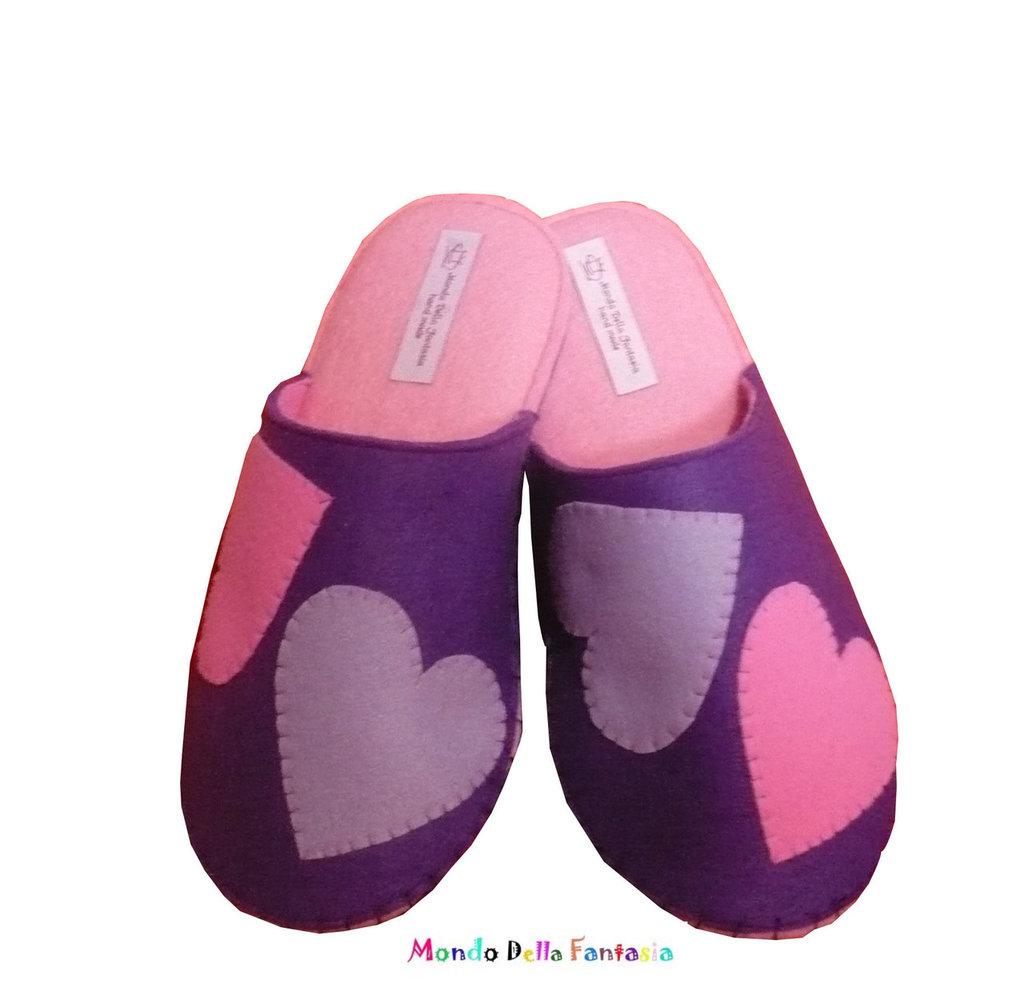 """Pantofole in feltro fatte a mano """"Cuori"""""""