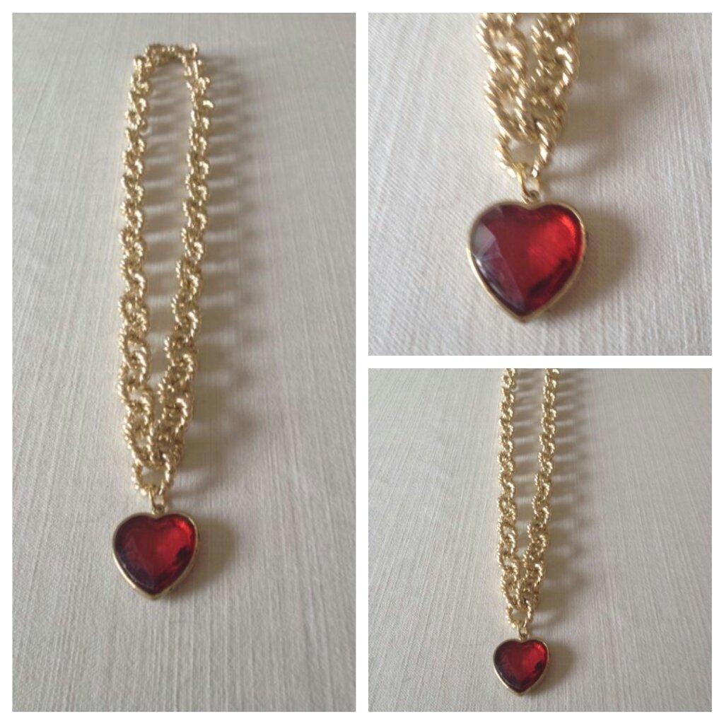 collana con pendente cuore