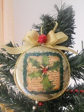 Medaglione natalizio con agrifoglio