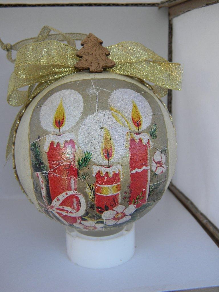 Palla Natalizia con candele