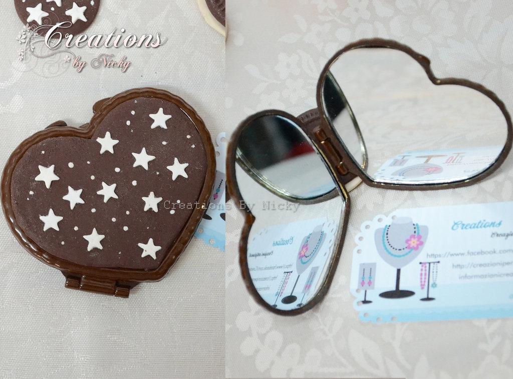 Specchietto a forma di cuore con pan di stelle