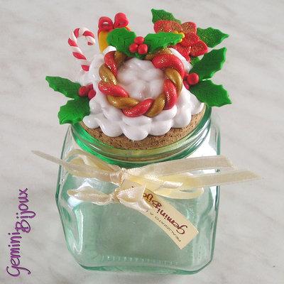 Natale: Barattolo in vetro con decorazione in fimo e silicone