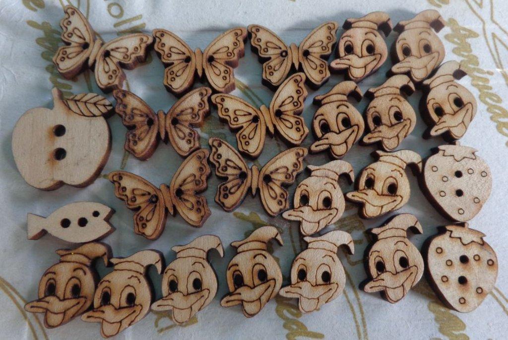 24 Bottoni varie Forme in Legno
