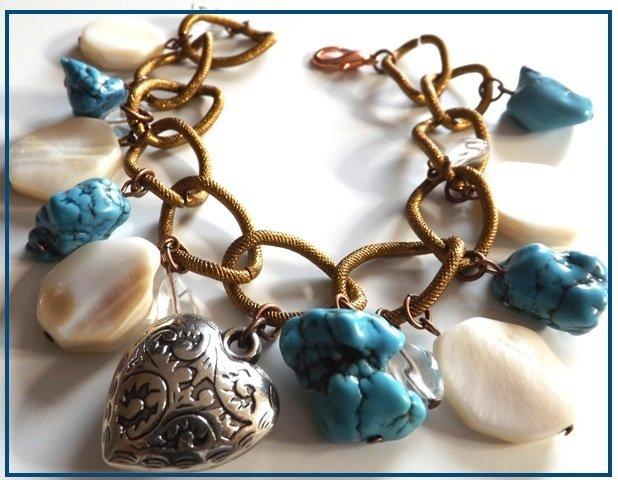 Bracciale madreperla,magnesite turchese e charm cuore