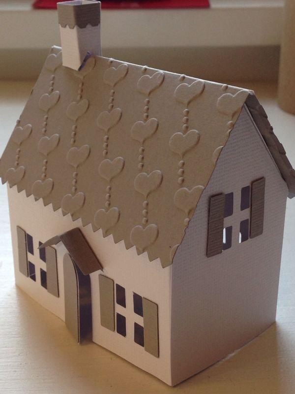 Casette di natale di carta fatte a mano feste natale - Casette di cartone da costruire ...