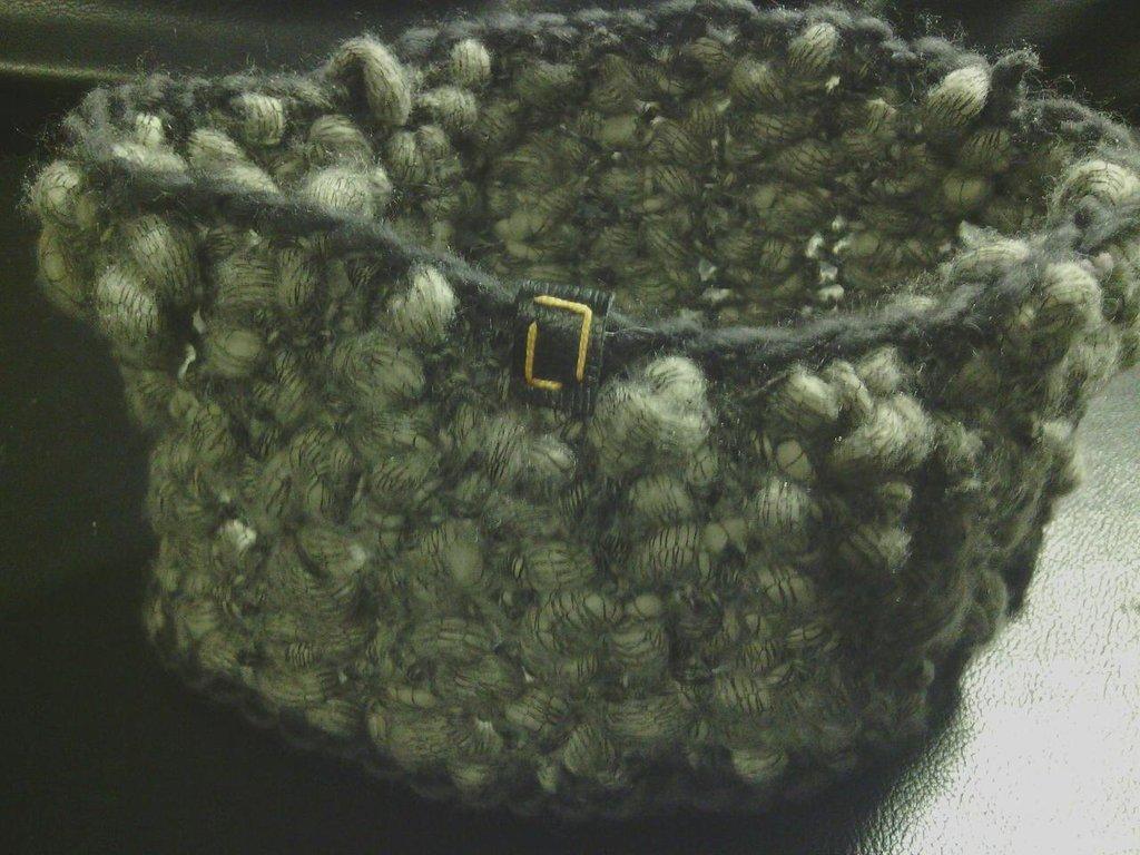 scaldacollo donna in lana grigia fatto a mano all'uncinetto S001