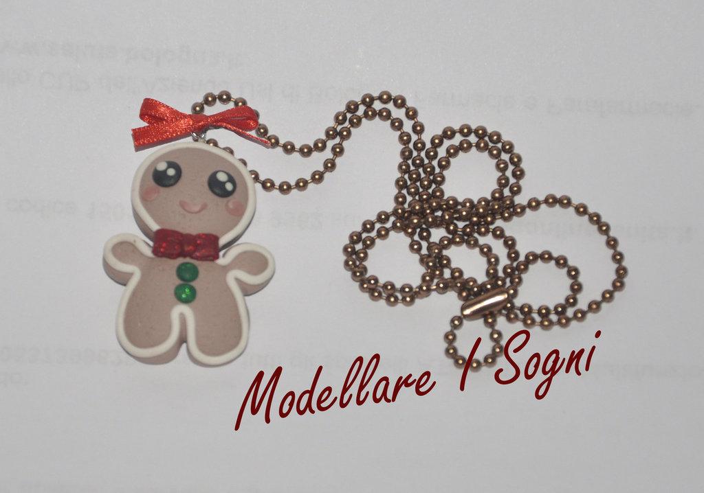 Collana Gingerbread Pan di Zenzero - Uomo Biscotto di Natale con fiocco cravatta rossa e bottoni verdi decorato con fiocco di raso rosso