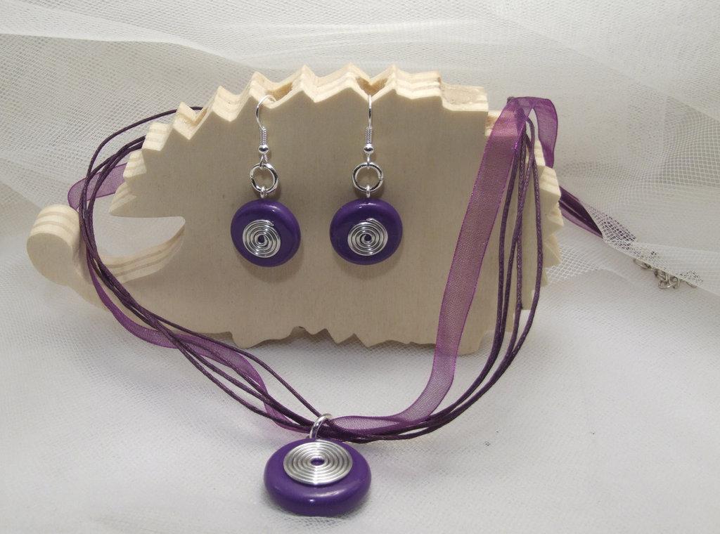 Parure collana e orecchini viola