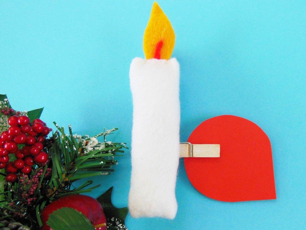 Segnaposto natalizio a forma di candela