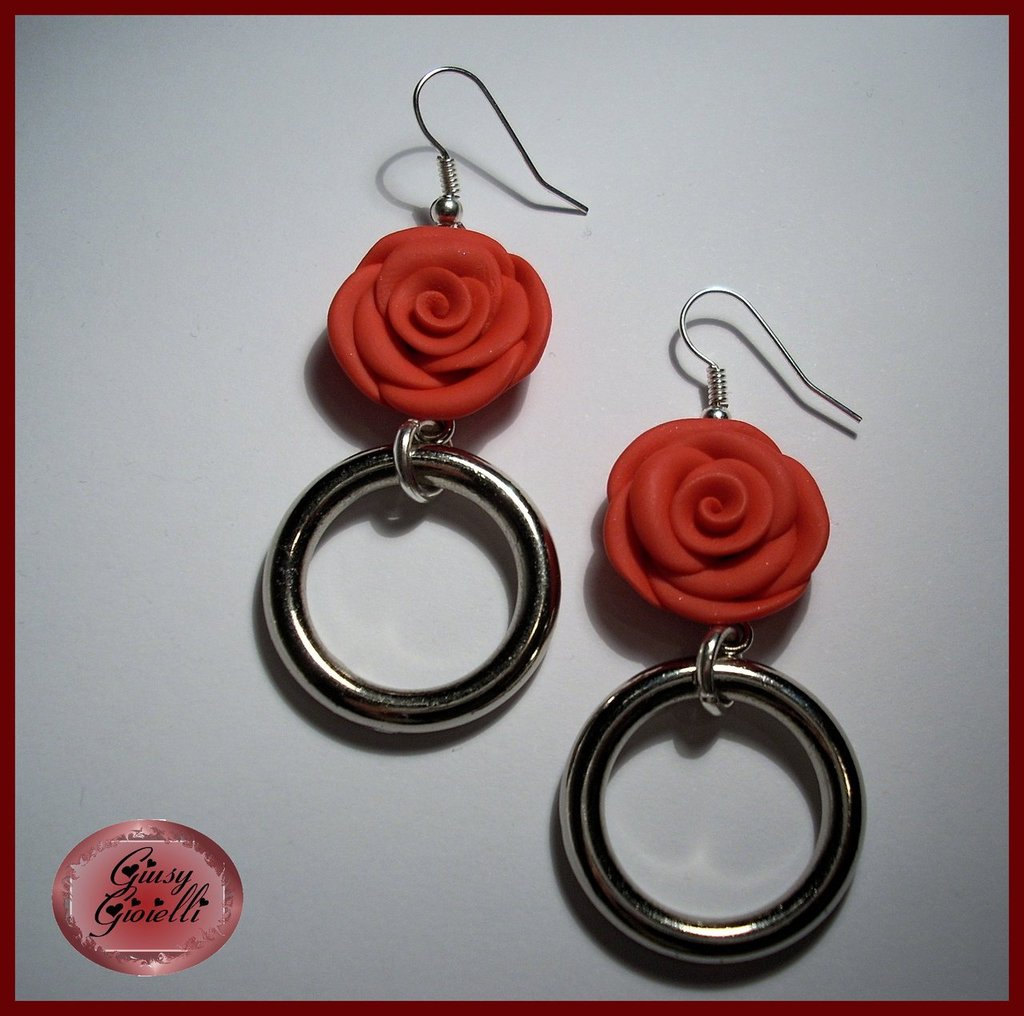 Orecchini con rosa rossa opaca in To-Do