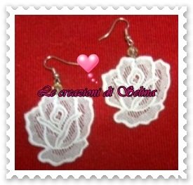 Orecchini rosa bianca grande