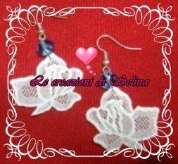 Orecchini rosa bianca piccola