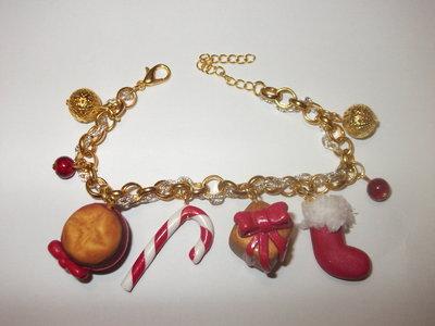 braccialetto con ciondoli natalizi