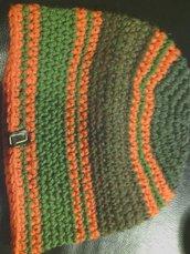 cappello da uomo e donna in lana a righe fatto a mano all'uncinetto C020