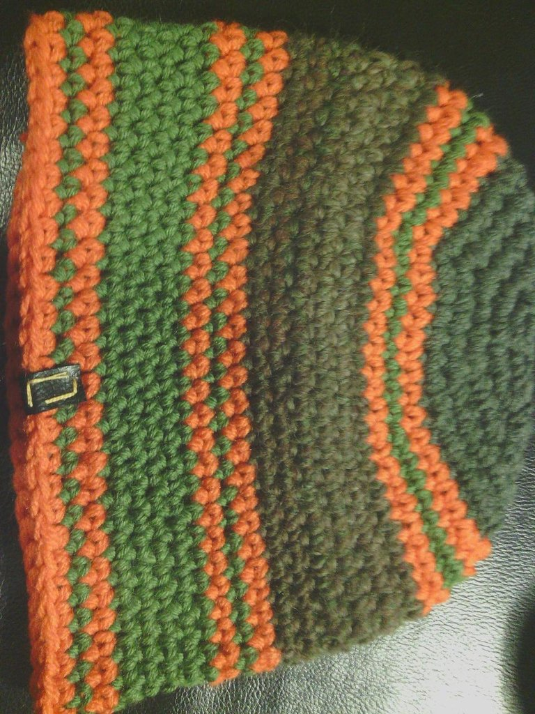 cappello da uomo e donna in lana a righe fatto a mano all uncinetto C020 f2010b596f9a