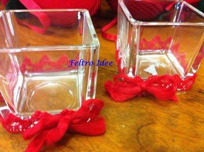 Vasi in vetro portacandele decorato con nastri, pizzi e pannolenci