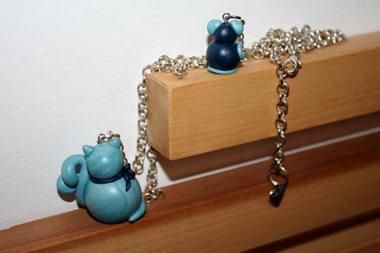 "Collana lunga Gatto e Topo in pasta ""To Do you Clay"" azzurro e blu"