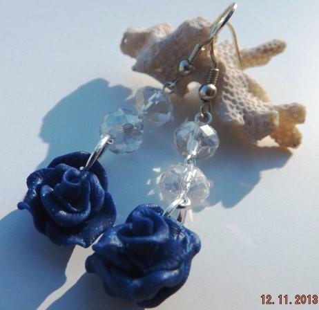 Orecchini rose blu in fimo