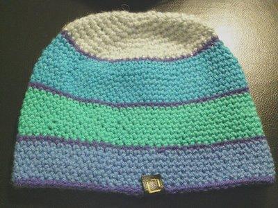 cappello in lana perla  a righe da donna e ragazza fatto a mano all'uncinetto C030