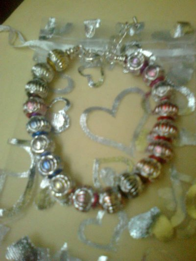 Bracciale con perle luminose