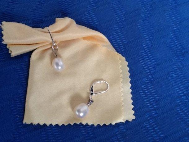 Orecchini con perla