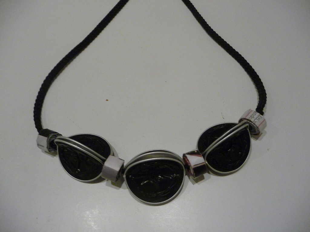 Coffee & paper necklace - Collana con cialde Nespresso e rotolini di carta