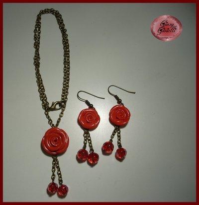 Parure collana e orecchini rosa rossa