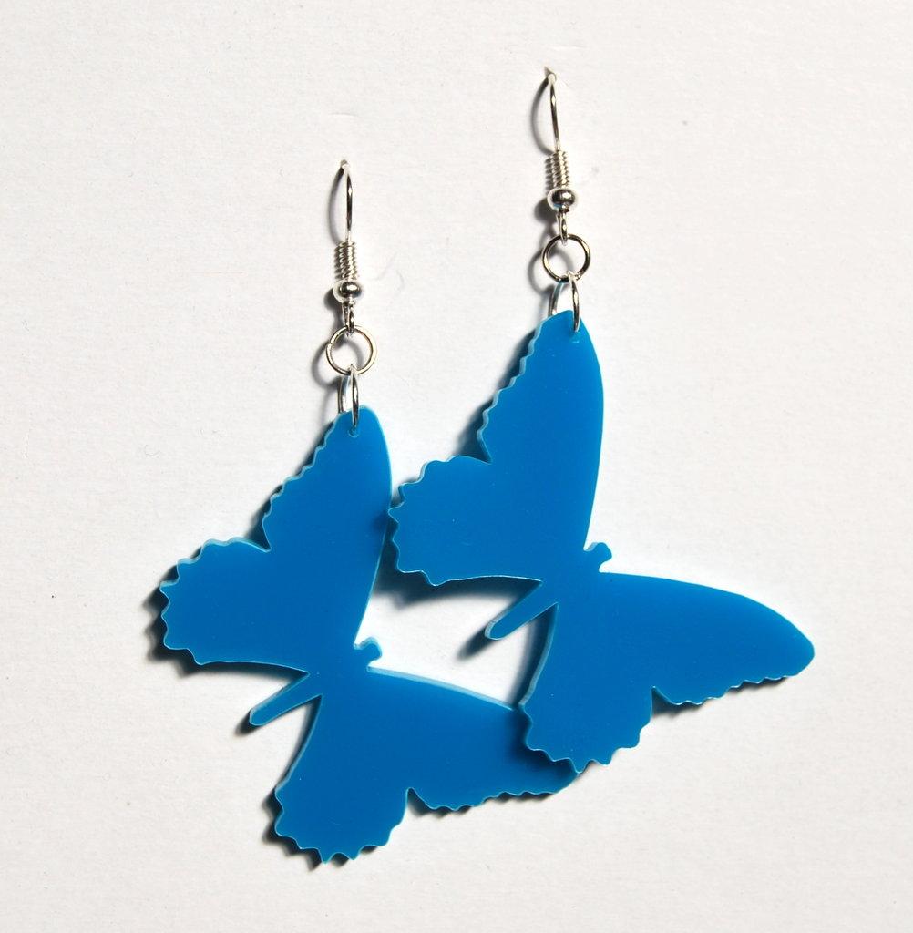 Orecchini farfalla azzurra in plexiglass Sofiaretrobazar