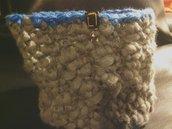 scaldacollo donna in lana grigia  e  azzurra fatto a mano all'uncinetto S004