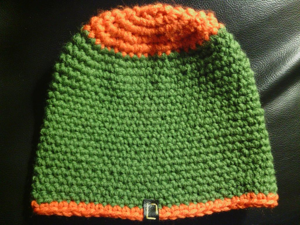 _cappello uomo donna  ragazzo in lana  verde  fatto a mano all'uncinetto C034_