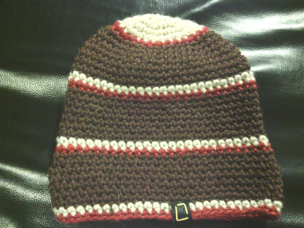 cappello da uomo donna e ragazzo in lana   marrone fatto a mano all'uncinetto C035
