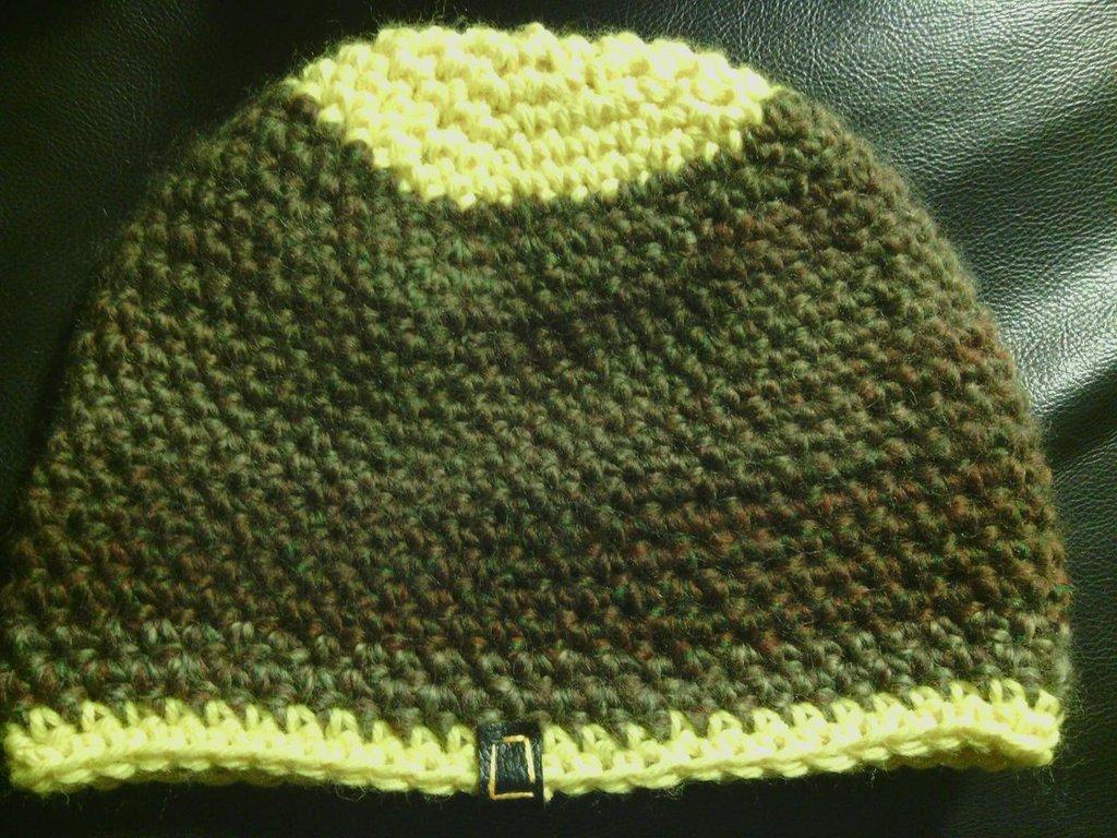 _cappello uomo donna  ragazzo in lana  verde  variegata,fatto a mano all'uncinetto C036_
